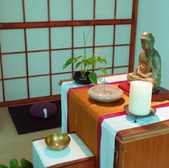 Altar simple con todos los elementos
