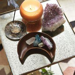 A este hermoso mini altar solo le falta agua y está completo!